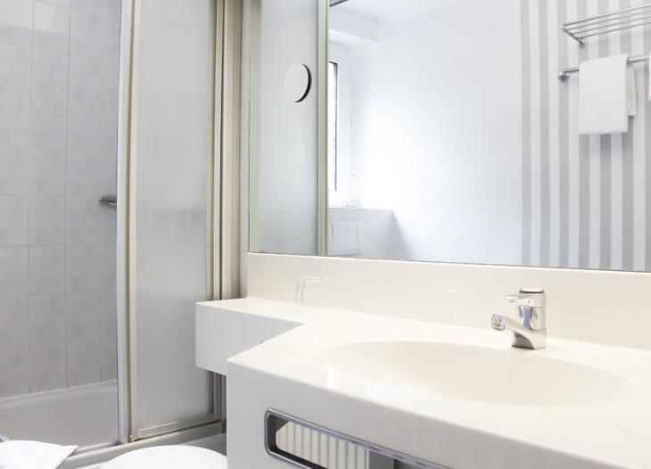Apartment Einzelzimmer (EZ) Badansicht